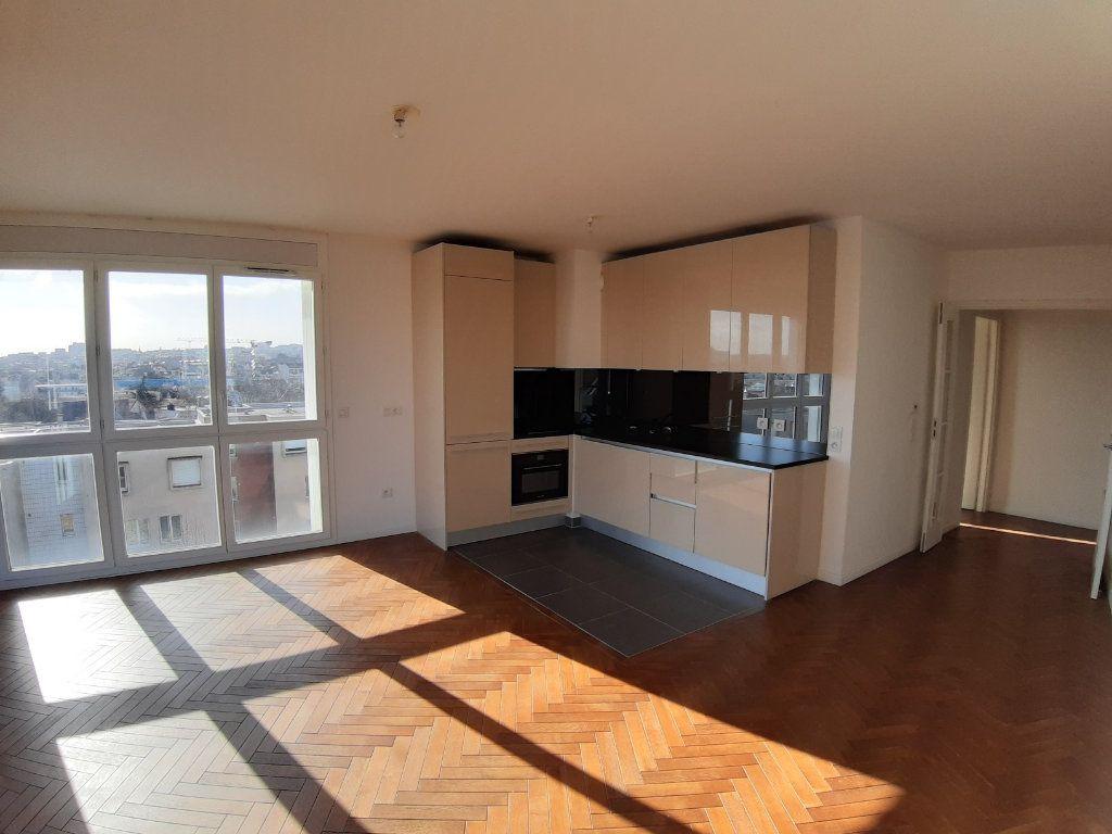 Appartement à louer 4 75.6m2 à Issy-les-Moulineaux vignette-4