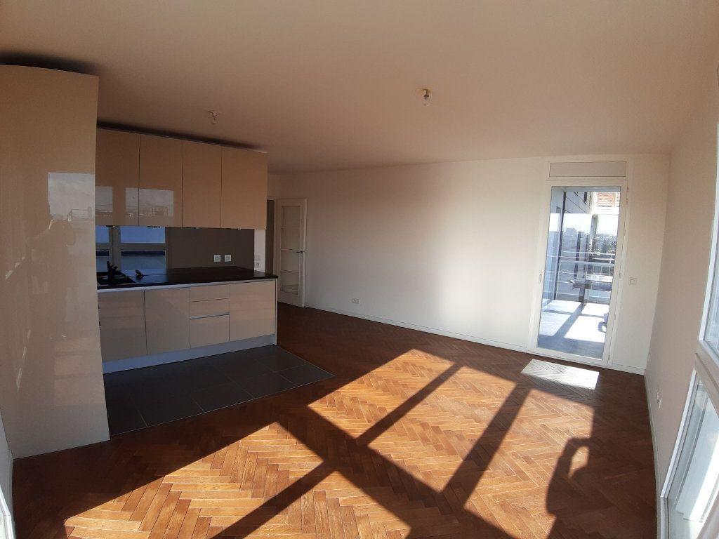 Appartement à louer 4 75.6m2 à Issy-les-Moulineaux vignette-5