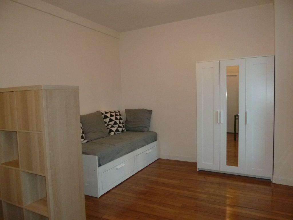 Appartement à louer 1 19.65m2 à Issy-les-Moulineaux vignette-1