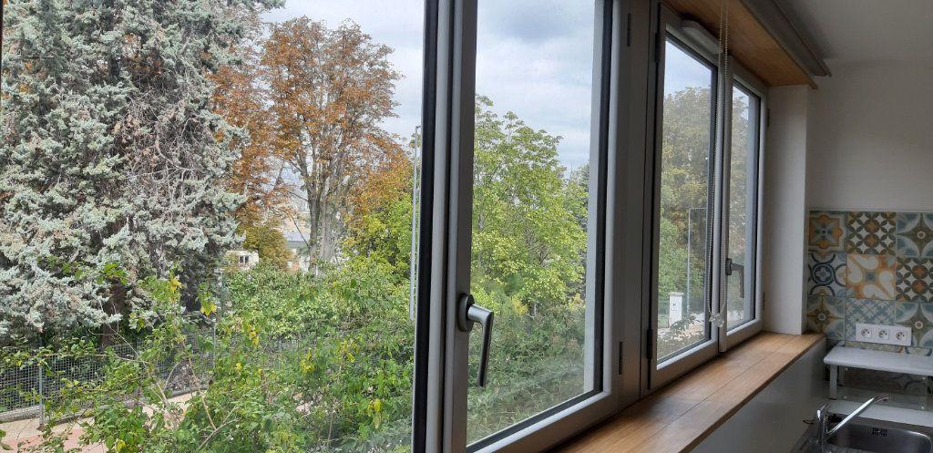 Appartement à louer 1 16.14m2 à Issy-les-Moulineaux vignette-3