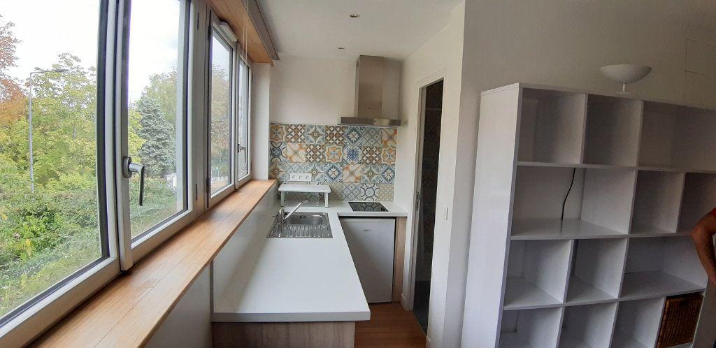 Appartement à louer 1 16.14m2 à Issy-les-Moulineaux vignette-4