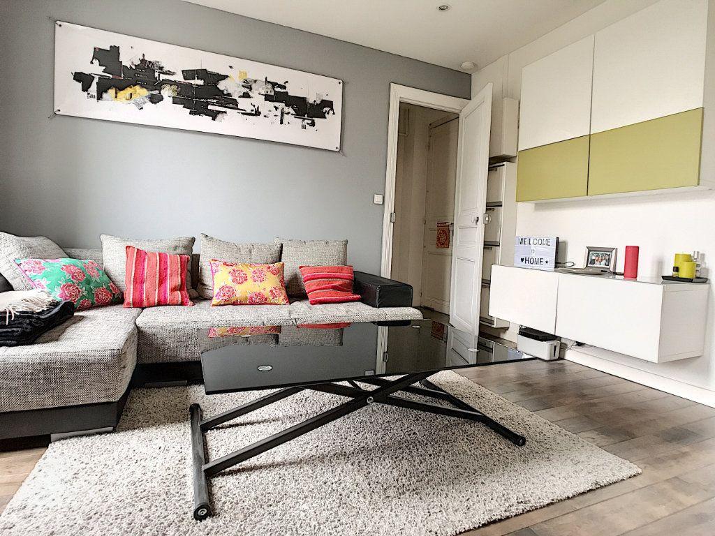Appartement à louer 2 28.74m2 à Issy-les-Moulineaux vignette-2