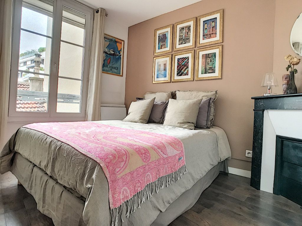 Appartement à louer 2 28.74m2 à Issy-les-Moulineaux vignette-4