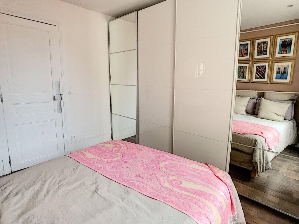 Appartement à louer 2 28.74m2 à Issy-les-Moulineaux vignette-5