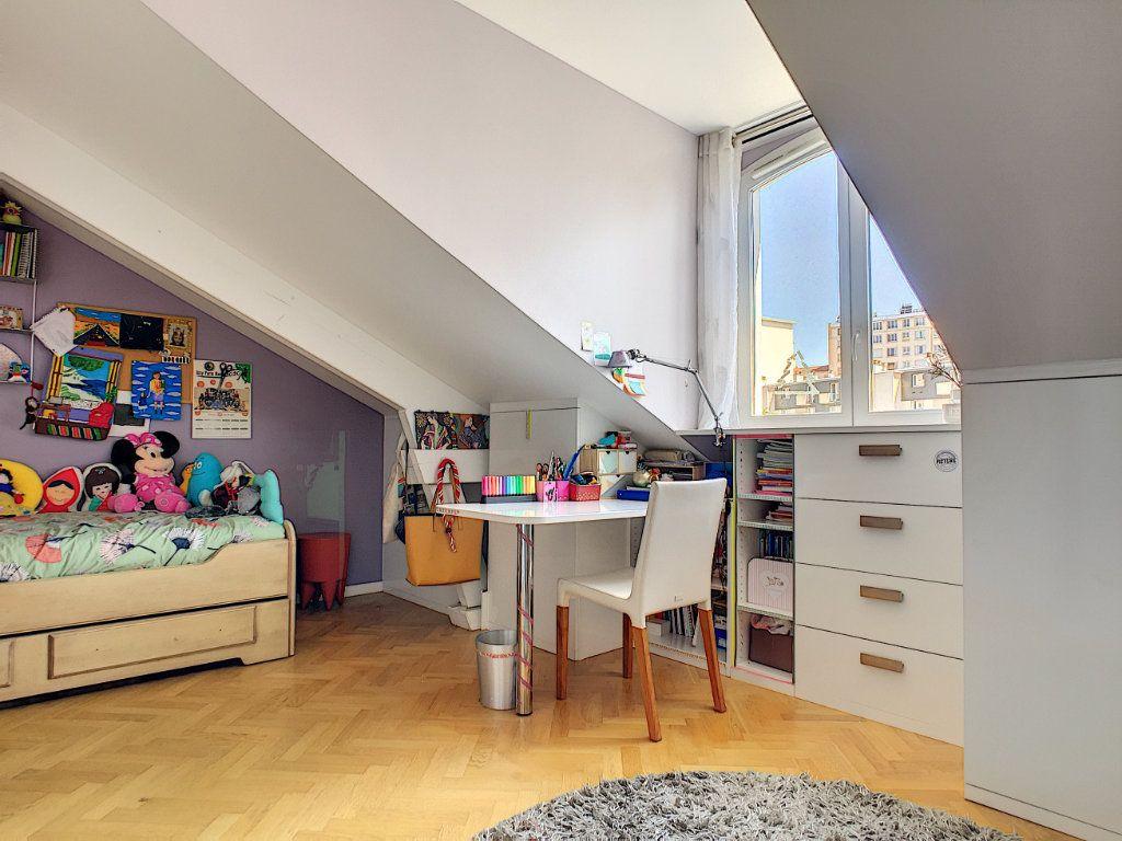 Appartement à vendre 5 98.64m2 à Issy-les-Moulineaux vignette-4