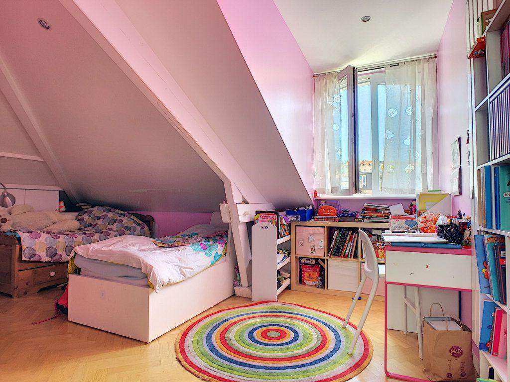Appartement à vendre 5 98.64m2 à Issy-les-Moulineaux vignette-5