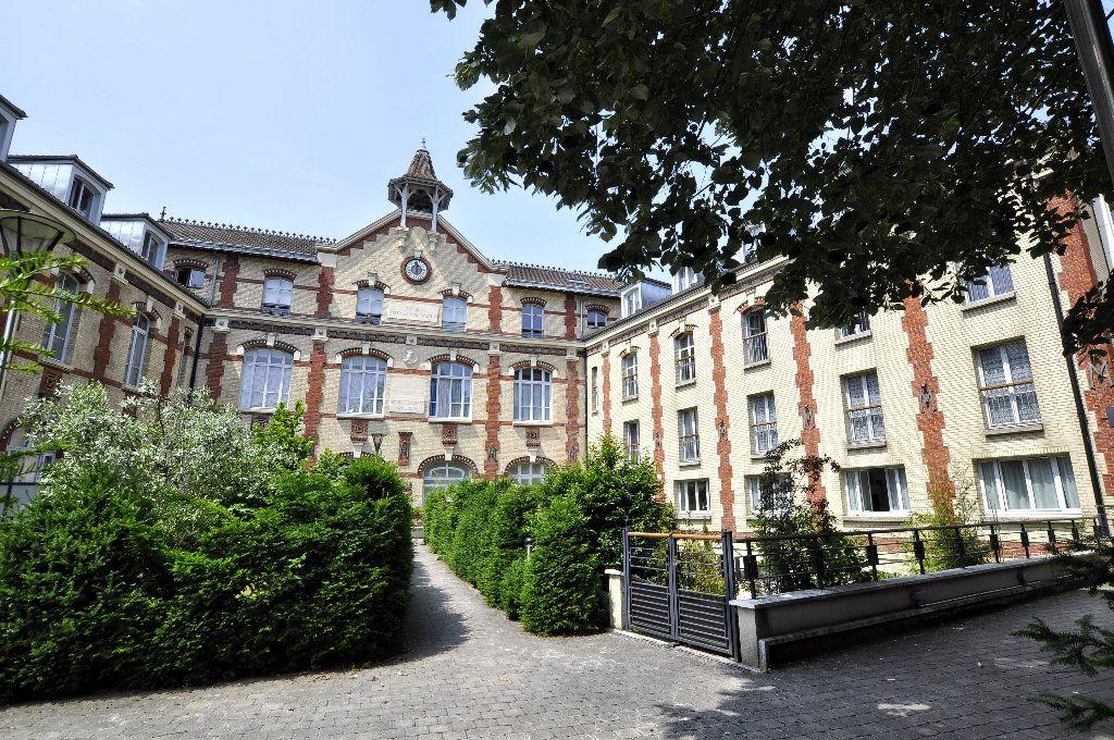 Appartement à vendre 5 98.64m2 à Issy-les-Moulineaux vignette-7