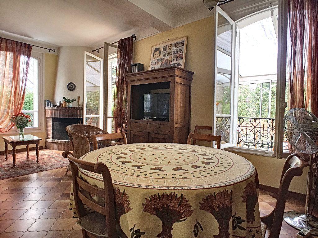 Maison à vendre 5 97m2 à Issy-les-Moulineaux vignette-2