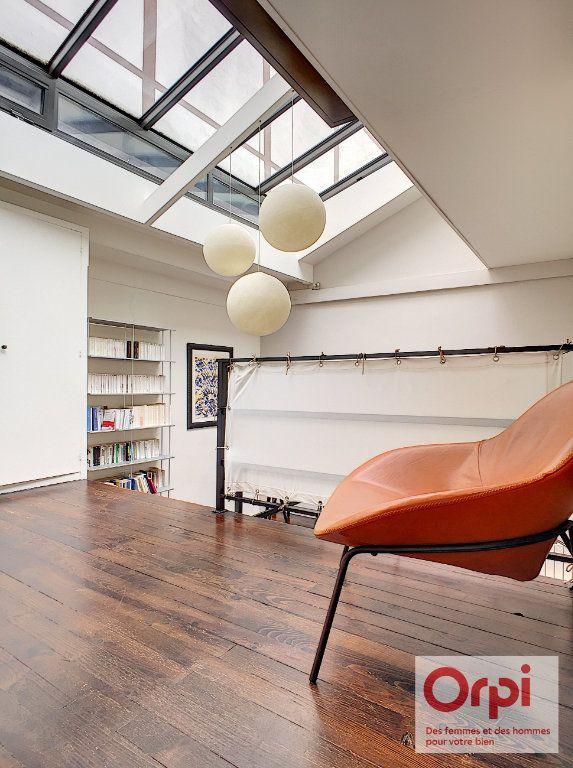 Appartement à vendre 4 67.43m2 à Paris 15 vignette-2