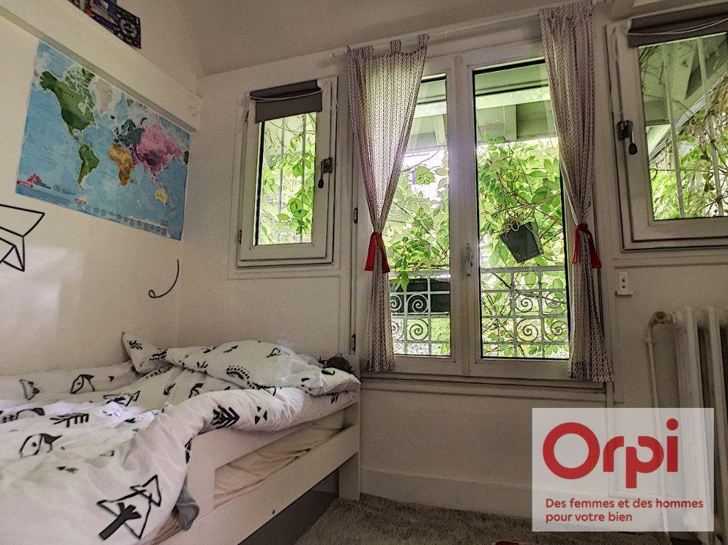 Appartement à vendre 4 67.43m2 à Paris 15 vignette-8