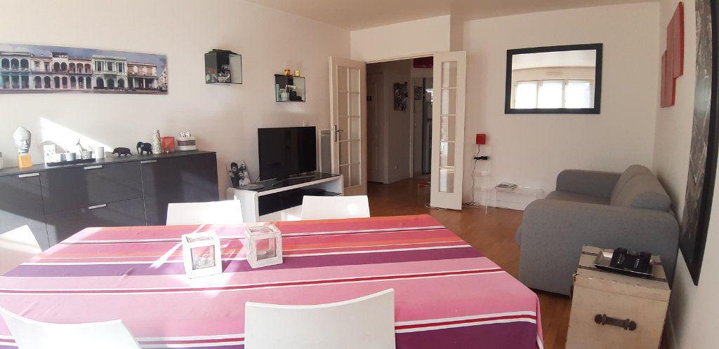 Appartement à louer 4 85.14m2 à Issy-les-Moulineaux vignette-3