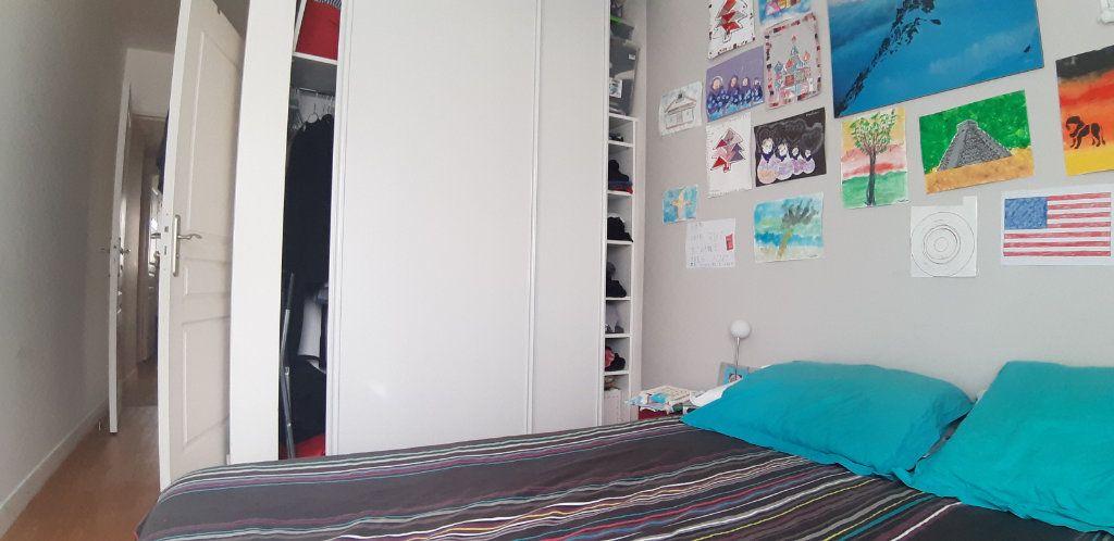 Appartement à louer 4 85.14m2 à Issy-les-Moulineaux vignette-9