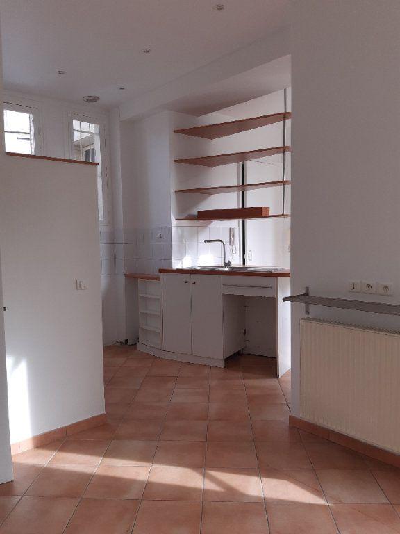 Appartement à louer 5 168.28m2 à Issy-les-Moulineaux vignette-3
