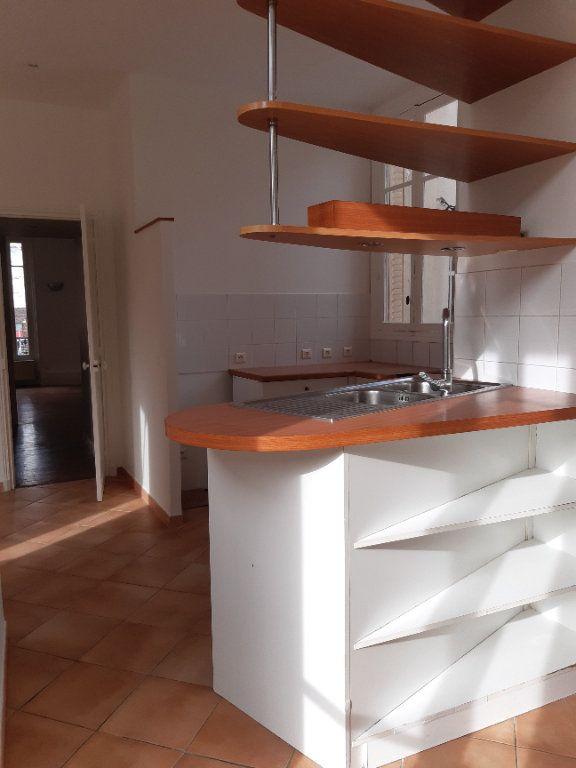 Appartement à louer 5 168.28m2 à Issy-les-Moulineaux vignette-5