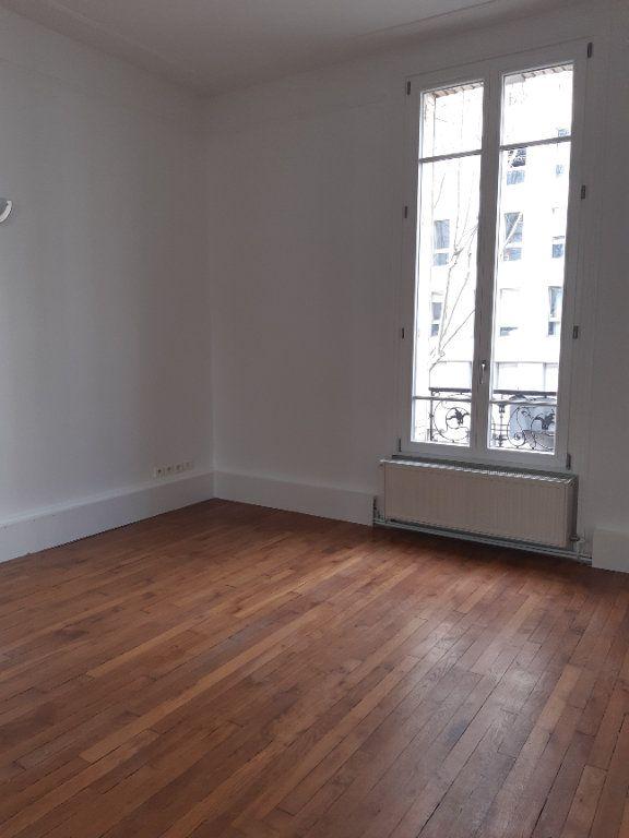 Appartement à louer 5 168.28m2 à Issy-les-Moulineaux vignette-8