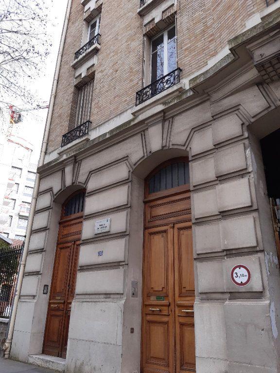 Appartement à louer 5 168.28m2 à Issy-les-Moulineaux vignette-14