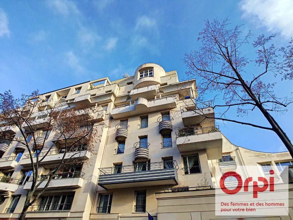 Appartement à vendre 3 76.97m2 à Issy-les-Moulineaux vignette-1