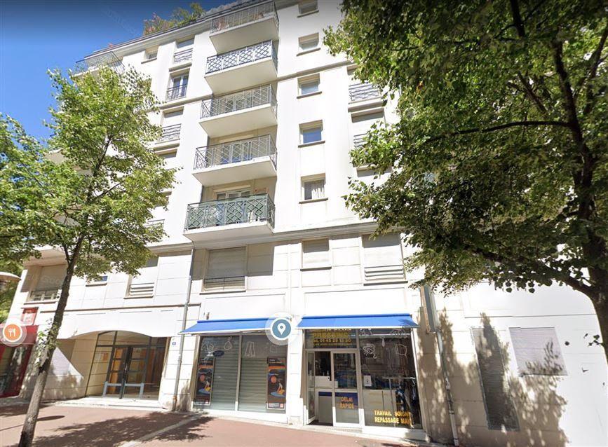 Appartement à louer 2 44.77m2 à Issy-les-Moulineaux vignette-1