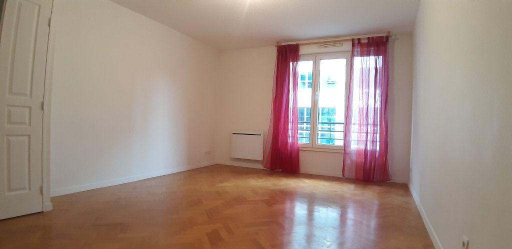 Appartement à louer 2 44.77m2 à Issy-les-Moulineaux vignette-2