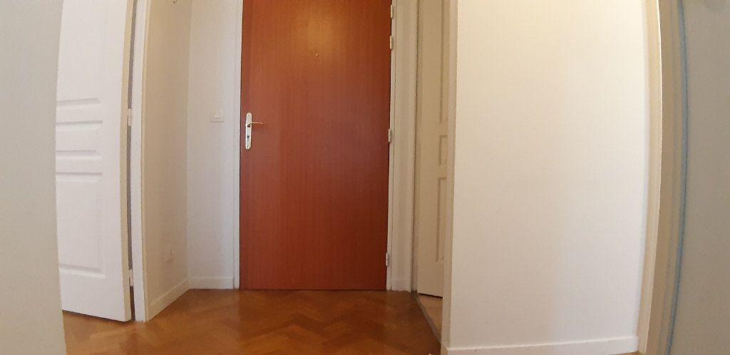 Appartement à louer 2 44.77m2 à Issy-les-Moulineaux vignette-7