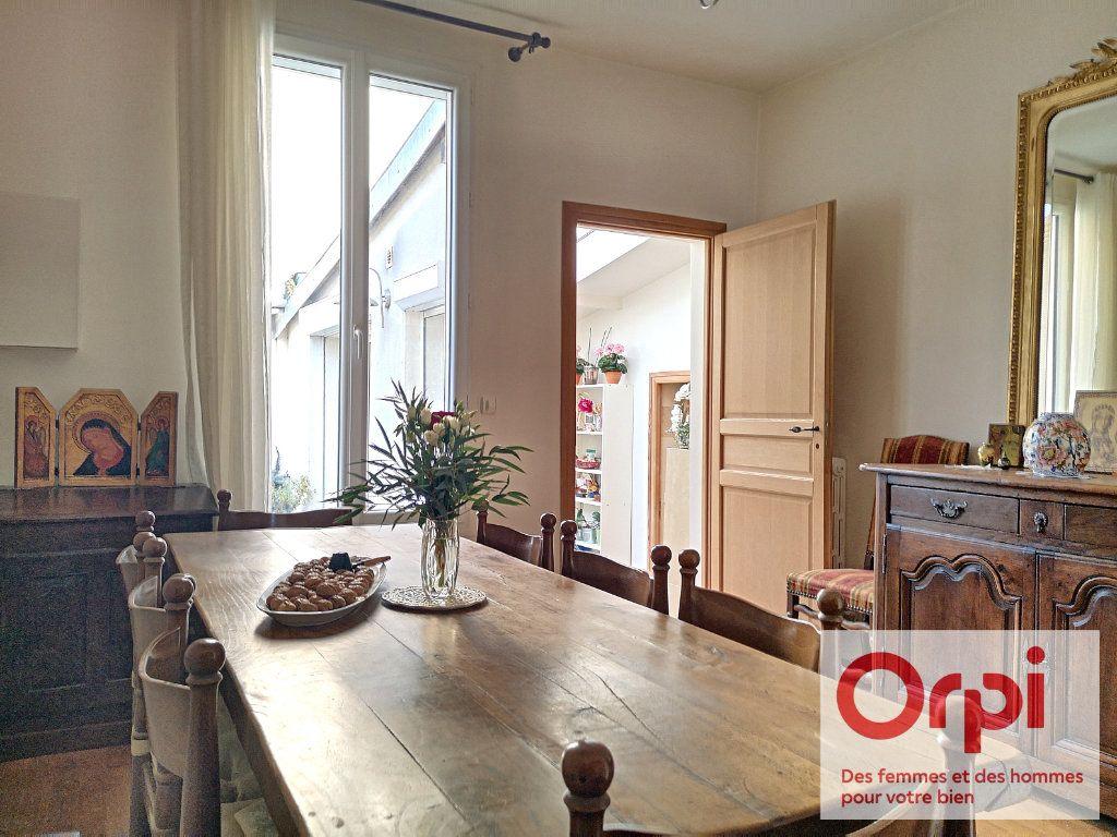 Appartement à vendre 3 79.49m2 à Issy-les-Moulineaux vignette-2