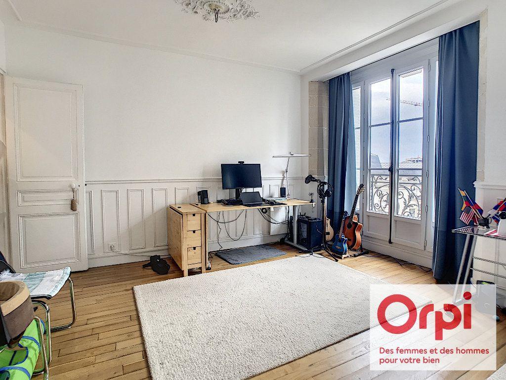 Appartement à vendre 3 47.72m2 à Issy-les-Moulineaux vignette-1