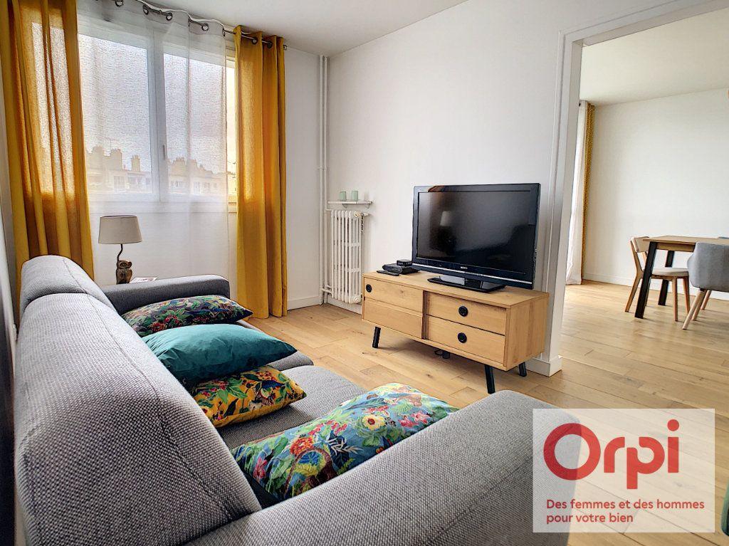 Appartement à vendre 4 84m2 à Issy-les-Moulineaux vignette-3