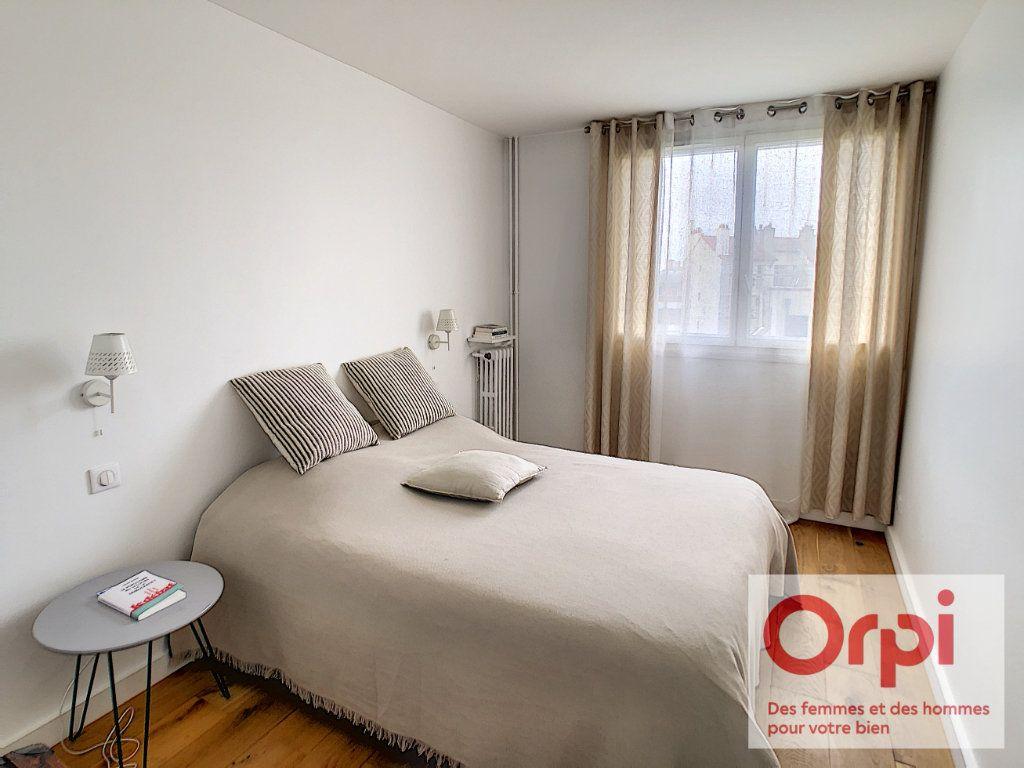 Appartement à vendre 4 84m2 à Issy-les-Moulineaux vignette-4