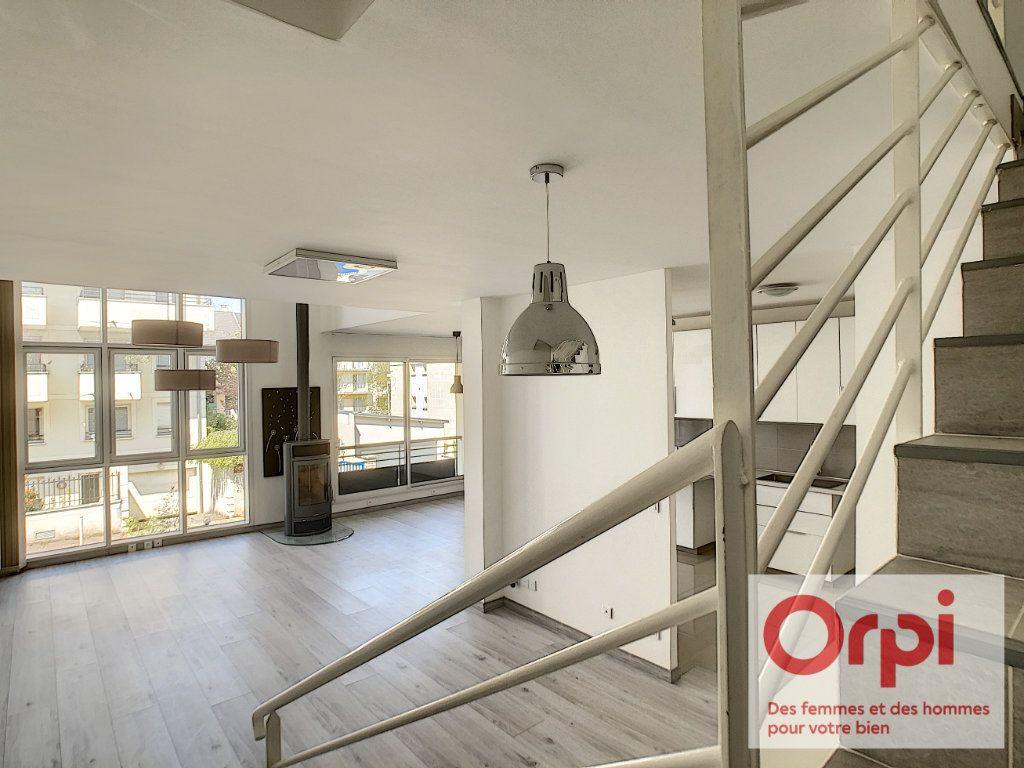 Appartement à vendre 7 175m2 à Issy-les-Moulineaux vignette-3