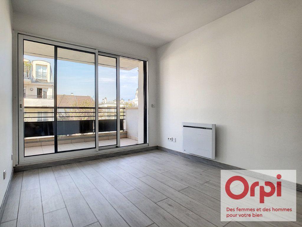 Appartement à vendre 7 175m2 à Issy-les-Moulineaux vignette-8