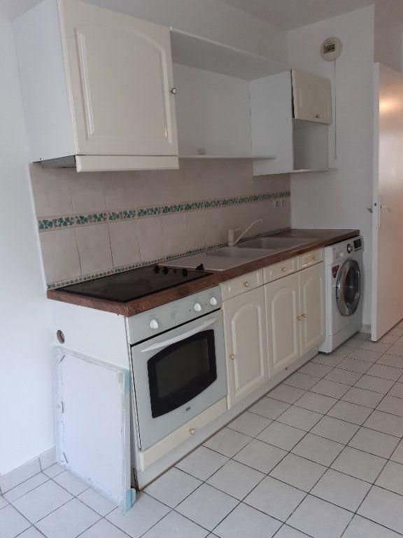 Appartement à louer 2 60.61m2 à Issy-les-Moulineaux vignette-2