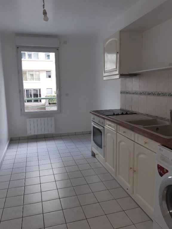 Appartement à louer 2 60.61m2 à Issy-les-Moulineaux vignette-3