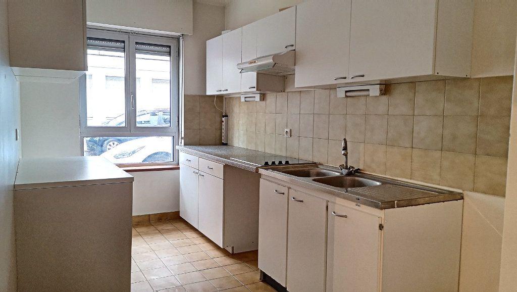 Appartement à vendre 3 69.51m2 à Issy-les-Moulineaux vignette-4