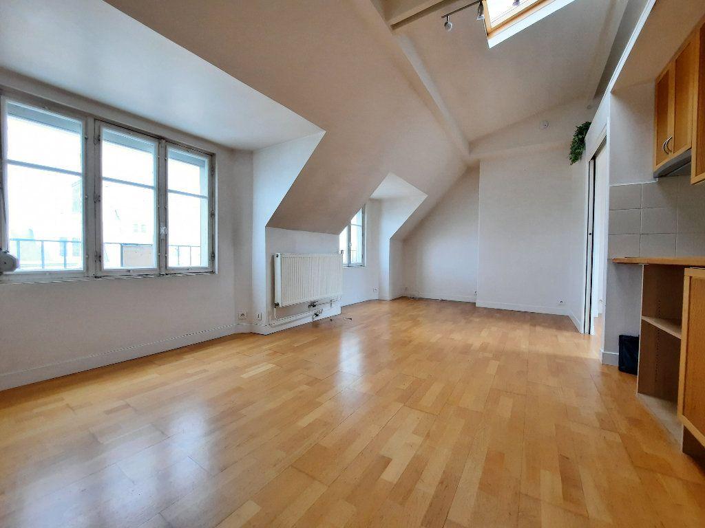 Appartement à louer 1 30.04m2 à Issy-les-Moulineaux vignette-1