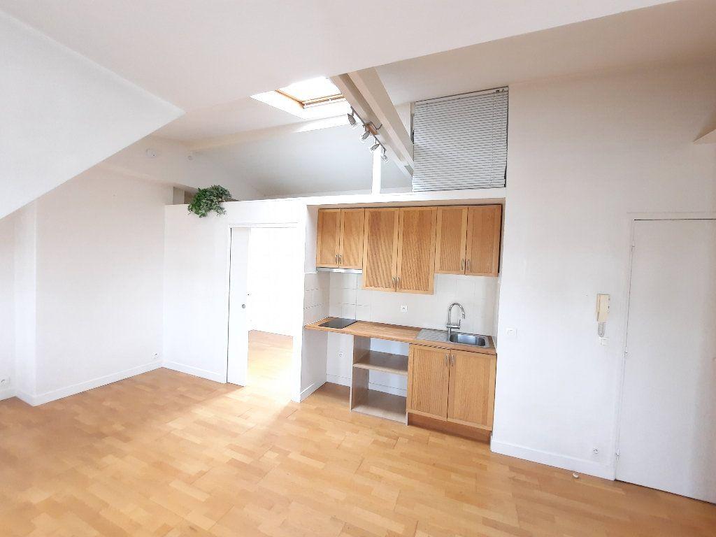 Appartement à louer 1 30.04m2 à Issy-les-Moulineaux vignette-3