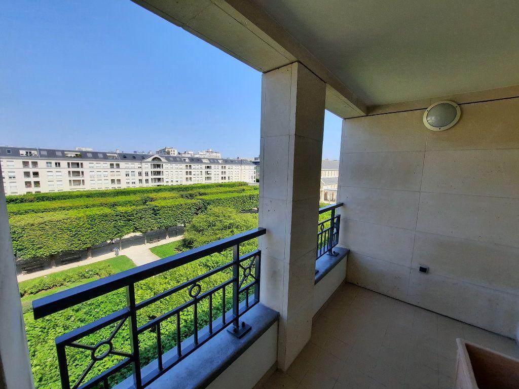 Appartement à louer 4 90.38m2 à Issy-les-Moulineaux vignette-2