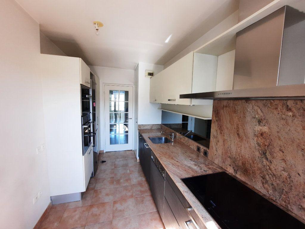 Appartement à louer 4 90.38m2 à Issy-les-Moulineaux vignette-5