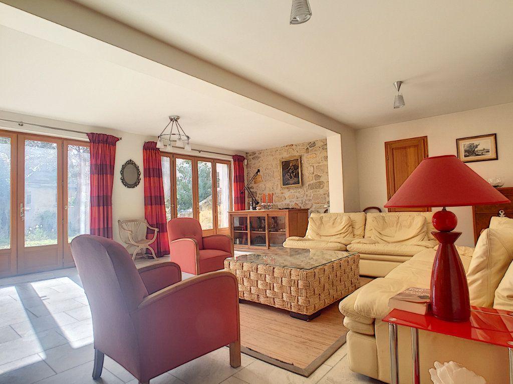 Maison à louer 7 146m2 à Issy-les-Moulineaux vignette-3