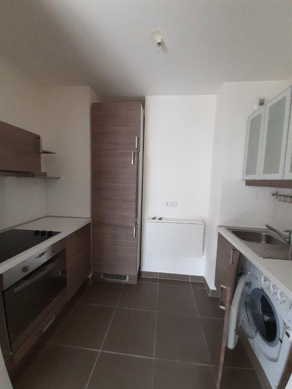 Appartement à louer 2 40m2 à Issy-les-Moulineaux vignette-2