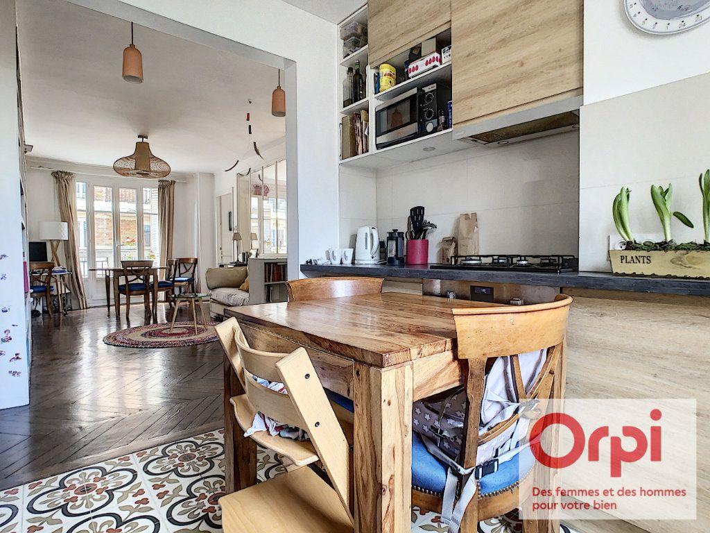 Appartement à vendre 3 67.76m2 à Issy-les-Moulineaux vignette-3