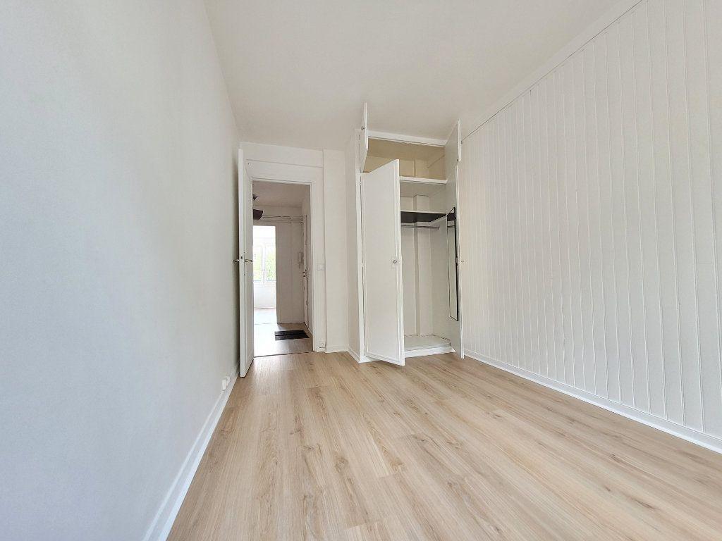 Appartement à louer 3 64.01m2 à Issy-les-Moulineaux vignette-5