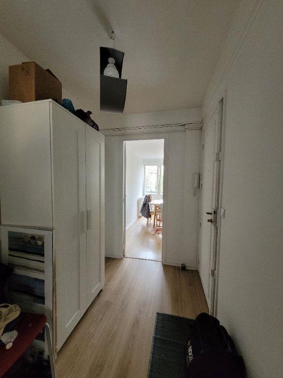 Appartement à louer 3 64.01m2 à Issy-les-Moulineaux vignette-8