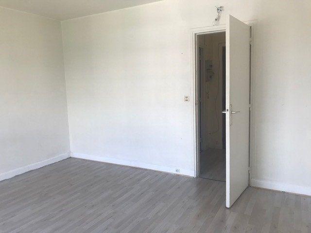 Appartement à louer 1 26.64m2 à Boulogne-Billancourt vignette-4