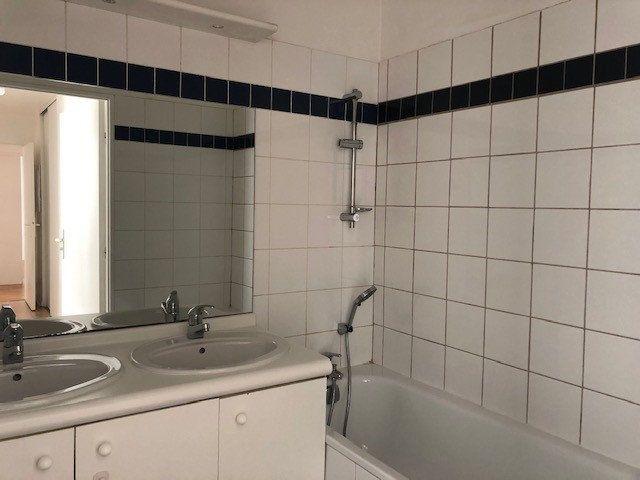 Appartement à louer 3 65.15m2 à Issy-les-Moulineaux vignette-6