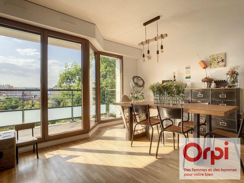 Appartement à vendre 4 87.27m2 à Issy-les-Moulineaux vignette-2