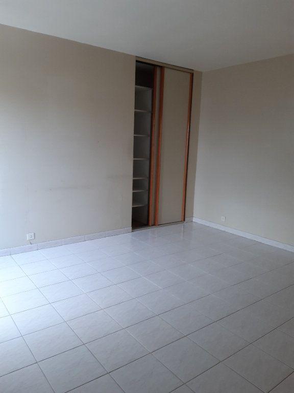 Appartement à louer 1 31.78m2 à Issy-les-Moulineaux vignette-5