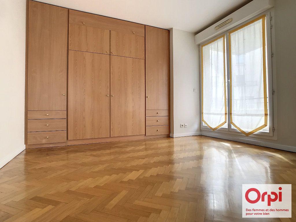 Appartement à vendre 3 68.63m2 à Issy-les-Moulineaux vignette-2