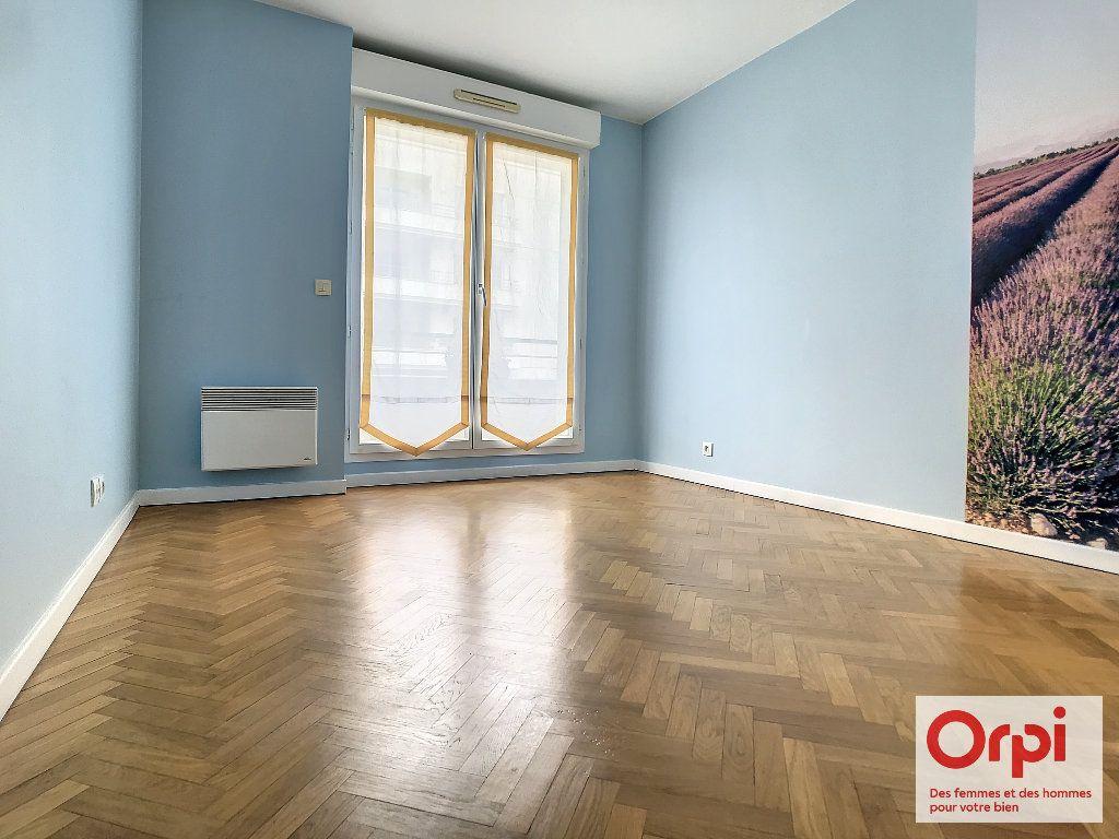 Appartement à vendre 3 68.63m2 à Issy-les-Moulineaux vignette-3