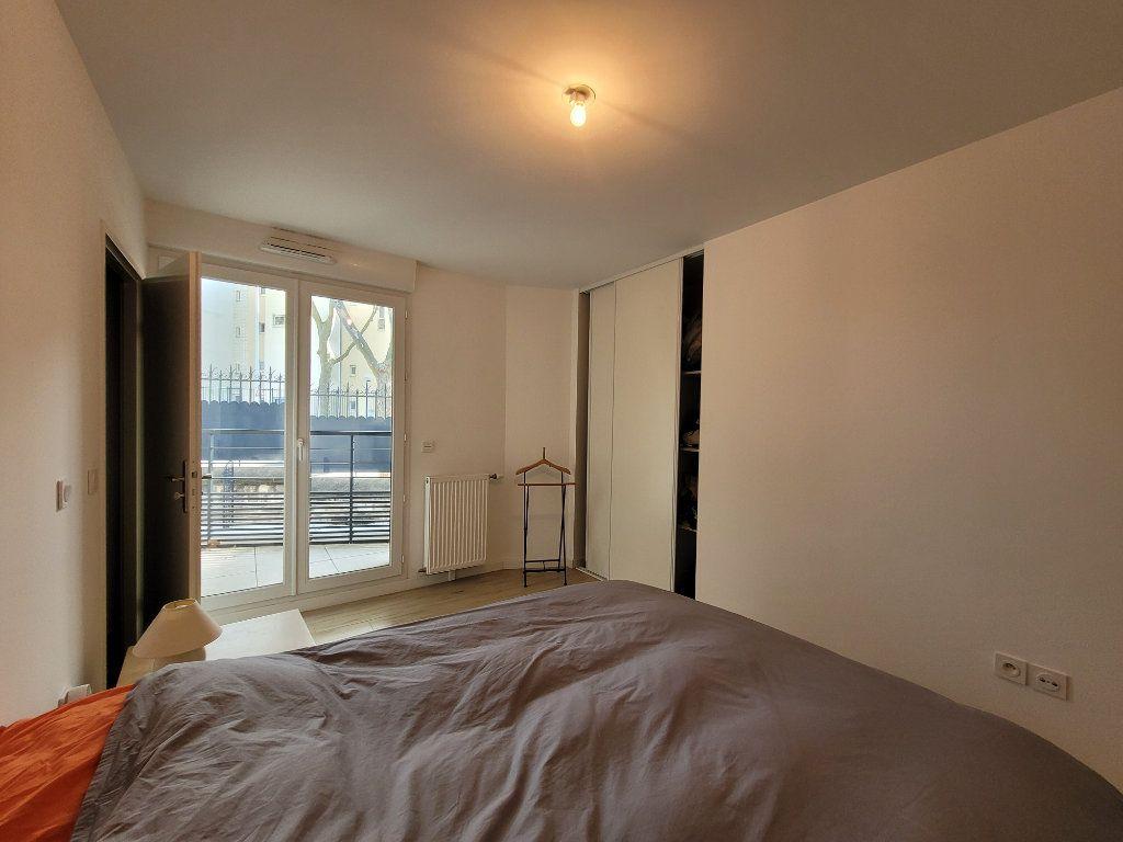Appartement à louer 2 45.2m2 à Issy-les-Moulineaux vignette-7