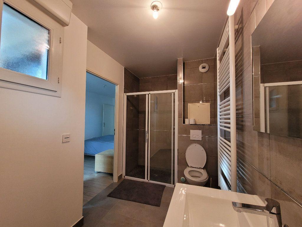 Appartement à louer 2 45.2m2 à Issy-les-Moulineaux vignette-8